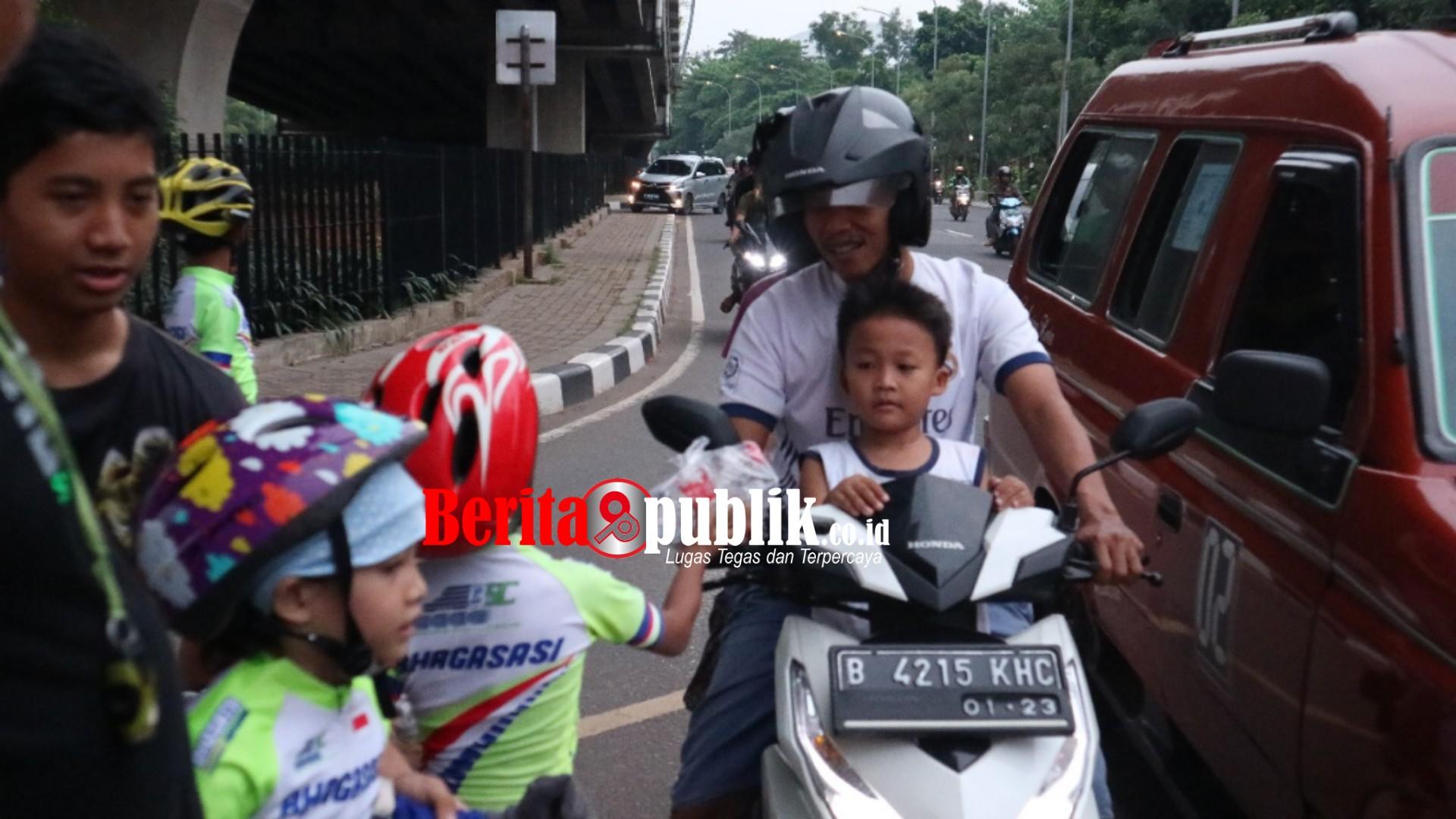 Bhagasasi Speed Club (BSC) Turun ke Jalan Berbagi Takjil