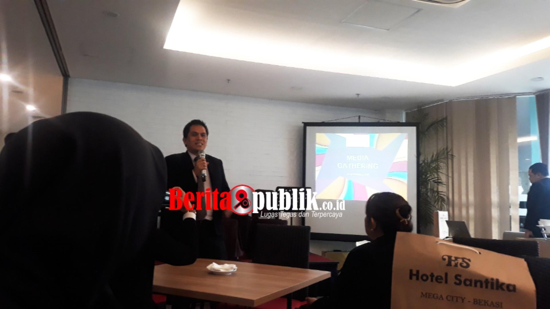 General Manager Hotel Santika Mega City Bekasi, Hendra Gunawan.