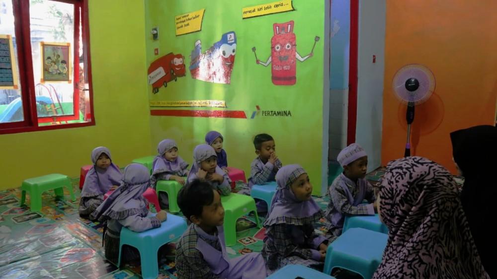 Caption Foto : Suasana Kegiatan Belajar dan Mengajar TK Pegayon Bekasi.