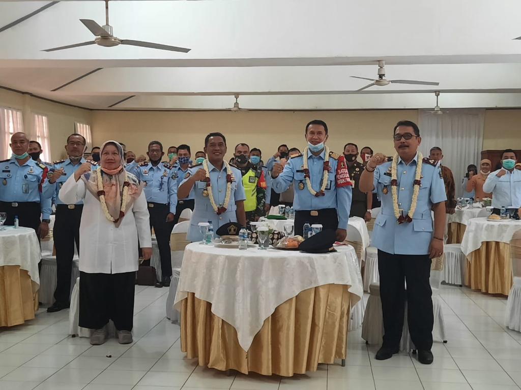 Sekretaris Daerah Kota Bekasi, Reny Hendrawati Hadiri Pisah Sambut Kepala Lembaga Pemasyarakatan Kelas II A Bekasi, Selasa, (1/9).