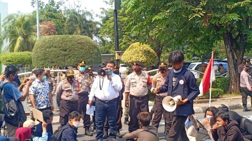 IHT Terima Mahasiswa Demo Sampaikan Aspirasinya, Kamis, (24/9) di DPRD kota Bekasi.