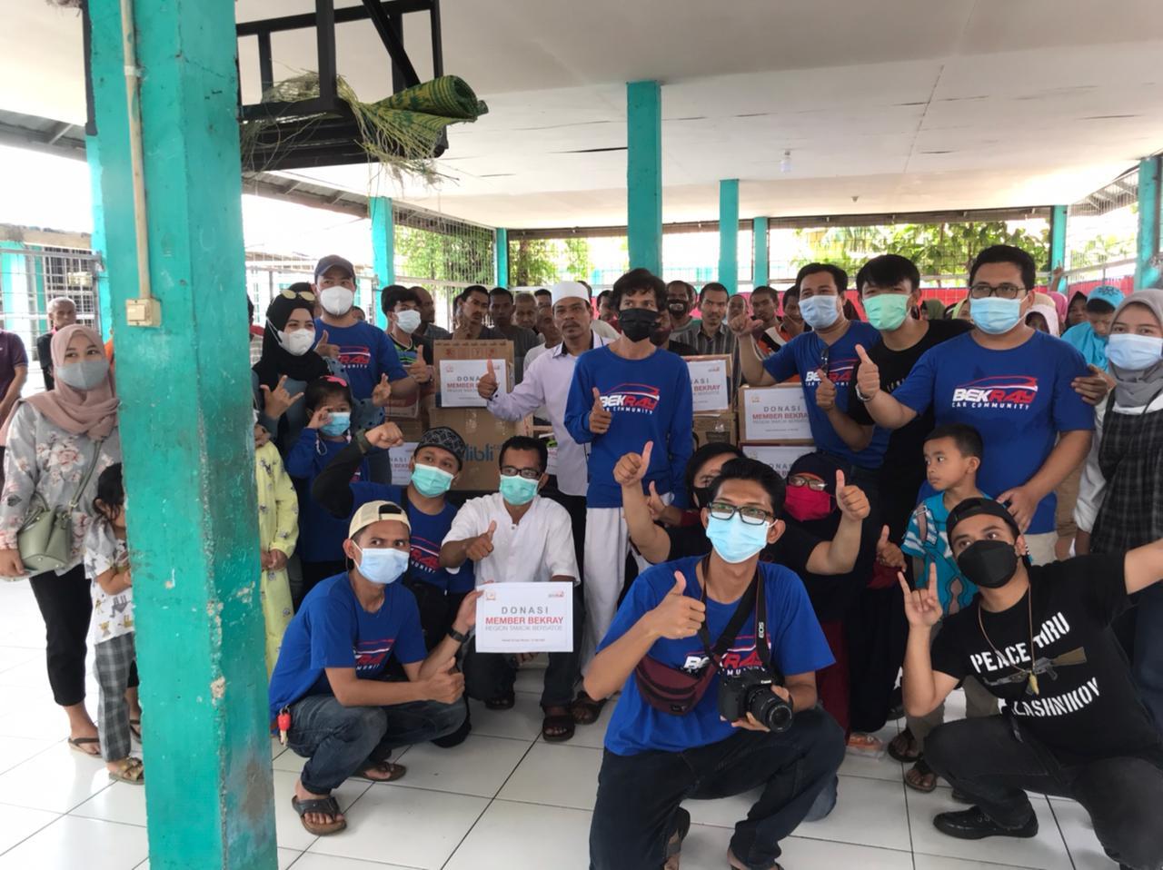 Komunitas Bekray Car Community Region Tambun Cikarang Bersatoe Adakan Kegiatan Sosial, Sabtu, (1/5).